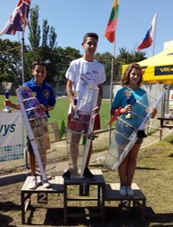 podium junior VCN2015